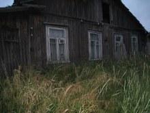 Нежилой дом. 2013. Фото Виталия Засухина. www.vyatlag.ru