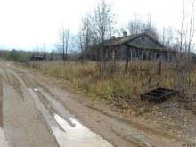 Один из заброшенных домов пос. Нюмыд. www.vyatlag.ru