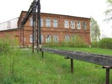 Старая часть школы в Ганино. Фот. Лысов Д.С. 20.05.07