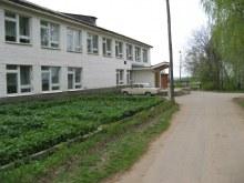 Правая часть школы. Фот. Лысов Д.С. 20.05.07
