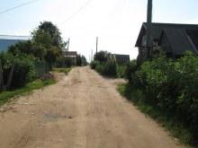 Улица с северо-востока на юго-запад, центр деревни. Фот. Лысов Д.С. 29.07.14
