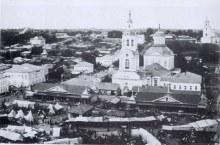 Базарная площадь перед Спасской церковью монастыря. В углу фото Благовещенская церковь