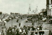 с. Уни в праздничный день. На заднем плане храм Александра Невского. Фото предоставлены Алексеем Чувашовым