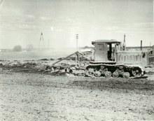 Подготовка почвы под посадку картофеля. 05.1982 [Ом.рай.арх., ф.80]