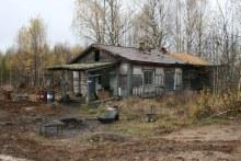 Руины дома в п. Чабис. Октябрь 2013. www.vyatlag.ru