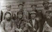 Примерно 1939г. Строительная  бригада из мужчин д.Заболотное и д.Жгули.