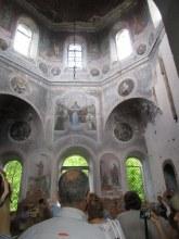 Вот такой красивой церковь была внутри.