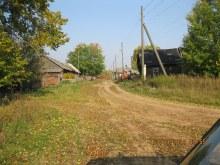 Уже мало домов в деревне.