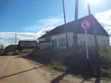 д. Зимино. Южная часть. Бывший сельмаг. Сентябрь 2015 г. фото А.Г. Пушмин