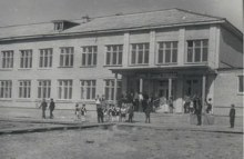 Средняя школа поселка. Фото 80-е годы ХХ века