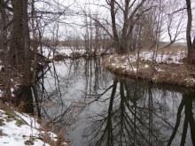 у моего деда река Ярань протекала через огород. В Олинских три- четыре участка, где через огороды течет Ярань.
