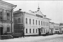 Улица Казанская в Елабуге, вид на зд. Женского и Уездного училищ