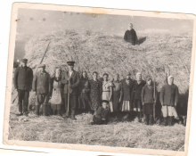 Предвоенное фото жителей деревни.