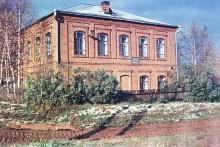 Школа в д.Соловьи (фото из архива Лебедева А., фотографировал Лысков В.)