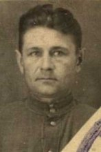 https://pamyat-naroda.ru/heroes/kld-card_uchet_officer9379349/