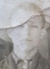 родился в 1921, погиб 18.11.1943 г.